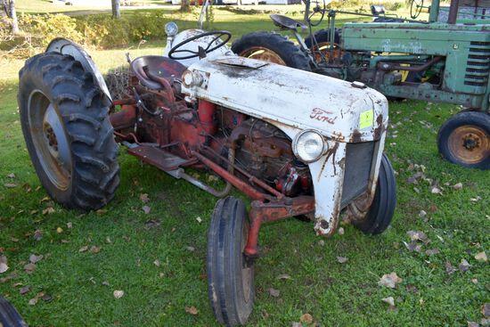 Ford 8 N Tractor, Fenders, 12.4x28 Tires, 3pt, 540PTO, Steering Box/Linkage Blow Steering Wheel Is B