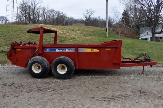 New Holland 195 Manure Spreader, Tandem Axle, Dual Beaters, Slop Gate, Poly Floor, 1000PTO, SN: Y8N0