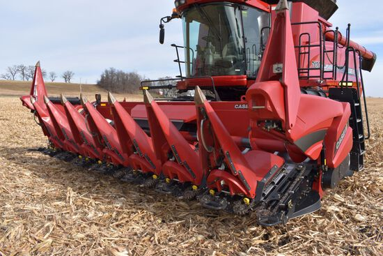 "2016 Case IH 4408 Corn Head, 8 Row 30"", Hydraulic Deck Plates, Knife Rolls, Single Point, Dual PTO,"