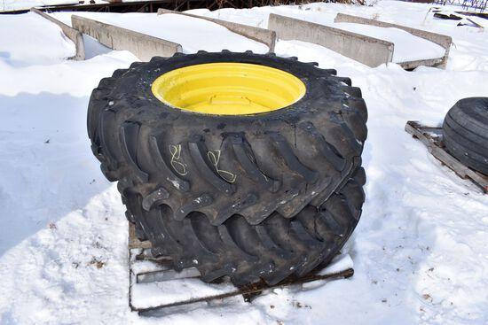 (2) 14.9x26 Tires on John Deere 8 Bolt Rims, selling 2 x$