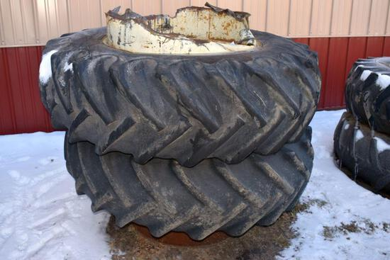 Pair of 18.4x34 Band Duals, one band dual has damage