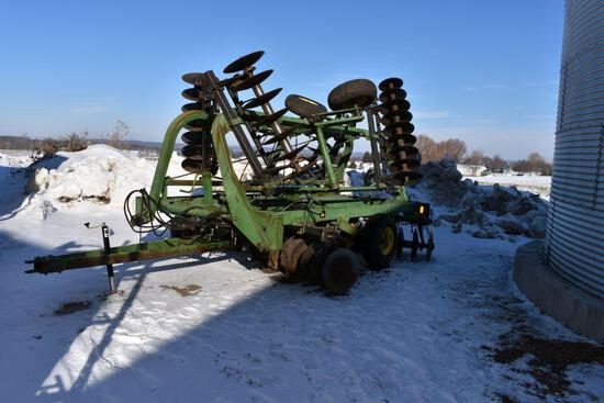 John Deere 235 Tandem Disk, 22.5', Spring Scrappers, Single Point Depth Control,