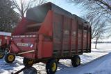 Gehl 910 Wooden Sided 16' Chopper Box, 540PTO box only no gear