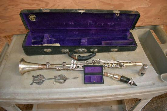 Cleveland Clarinet With Case, 2 music holders, & Reed Case