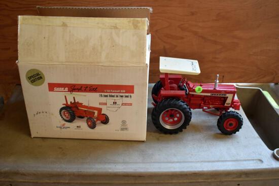 Ertl Farmall 806 Special Editon, 1/16 scale, Signed Joseph L Ertl