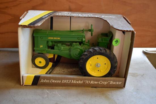 Ertl 1953 John Deere Model 70, Row Crop Tractor, 1/16 Scale