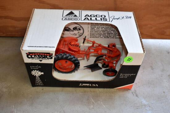 """Country Classics Allis Challmers """"G"""" Plow, 1/16 Scale, Signed by Joseph Ertl"""