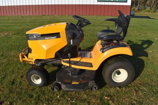 "Cub Cadet XT2 LX46 Enduro Series Garden Tractor, 46"" Deck, 101.4 Hours, 24HP Kohler, Hydro,"