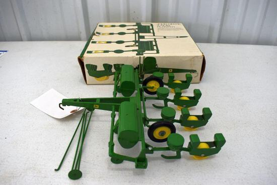 Original Ice Cream Box Ertl John Deere 4 Row Planter, Box has some tear damage