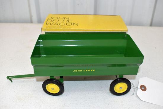 Original Ice Cream Box Ertl John Deere Wagon, Box in good condition with some wear