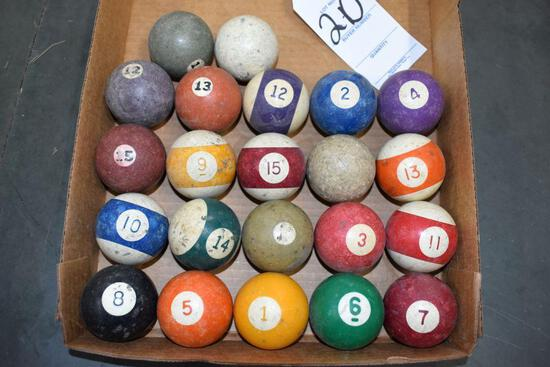 Assorted clay poolballs