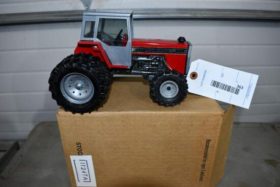 Ertl Massey Ferguson 699 1985 Special Edition 1/16 scale with packing box