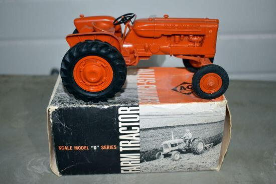 Allis Chalmers D Series Plastic Tractor with box, damage on box