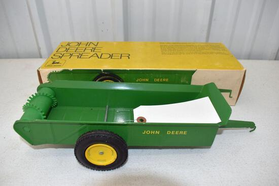 Original Ice Cream Box Ertl John Deere Manure Spreader, Box in good condition with some wear