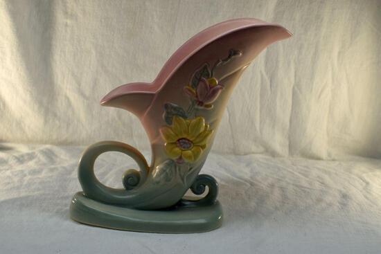Hull Pottery vase No 19-81