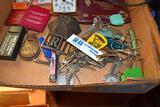 Old Glasses, advertising items and keys