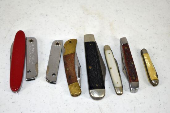 Assortment of pocket knives