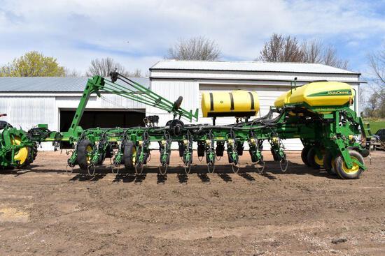 """2012 John Deere 1770NT CCS Planter, 24 Row 30"""", Electric Row Shutoffs, Vacuum, Air Down"""