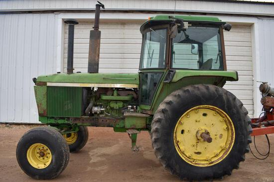 John Deere 4430 2WD Tractor, Hours Unknown, 8 Speed Power Shift, 540/1000PTO, 2 Hydraulics,