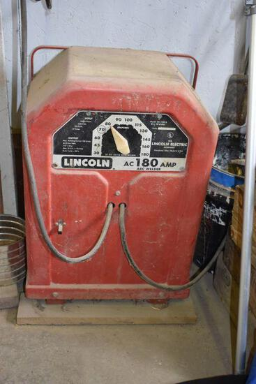 Lincoln AC-180 Welder with assorted rod