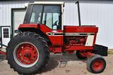 1977 International 886 2WD Tractor, 6938 Hours, 18.4x34, 540/1000PTO, 3pt, 2 Hydraulic,
