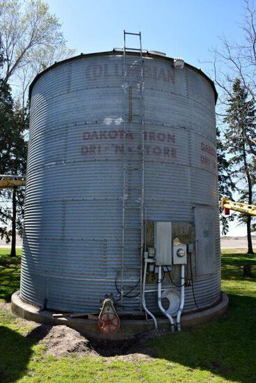 Dakon 18' Diameter Steel Grain Bin With Aeration Floor And Fan