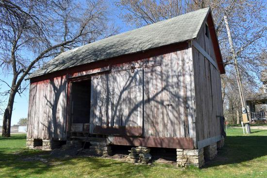 Approx. 1890's Old Wooden Granary 16' x 32', Old Weather Boards