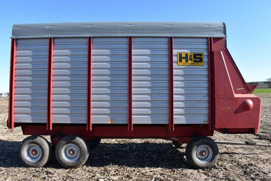 H & S 7+4 Steel Forage Box, 16' With Minnesota 13 Ton Tandem Axle Gear