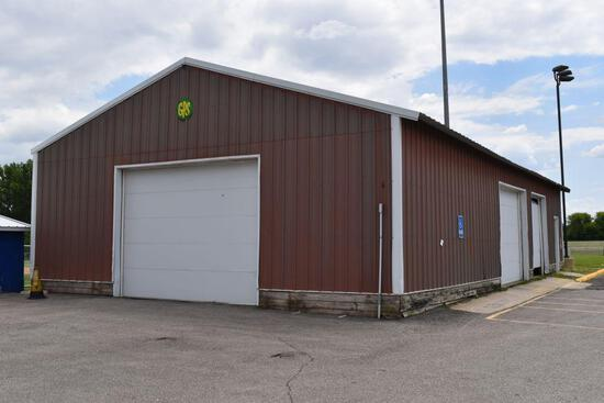 Pole Building, Steel Siding And Roof, Includes 3 Overhead Doors, No Openers, 30' x 60' x 10' Walls