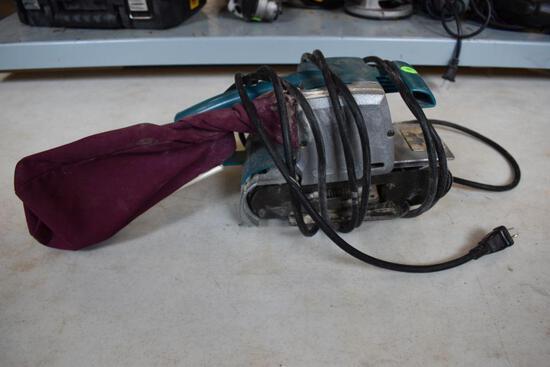 Makita Model 9900B Belt Sander
