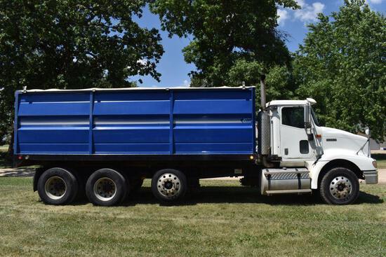 2001 International 9200I Grain Truck, Twin Screw With Air Pusher, ISM Cummins Diesel, 10sp, 611,169
