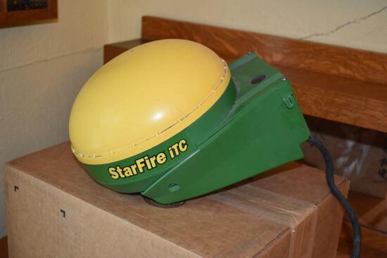 John Deere StarFire iTC Globe, SN: PCGT01C327081, SF1