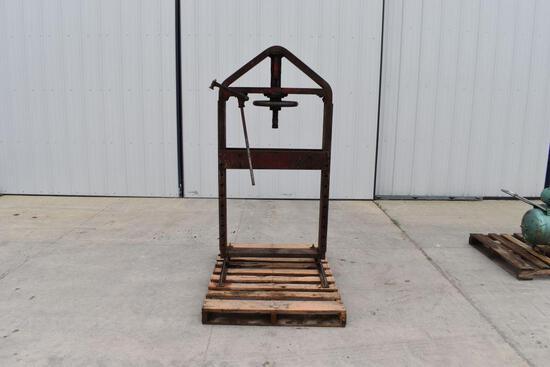Weaver 20 Ton Press