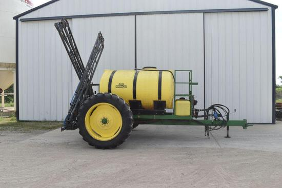 "L&D 1000 Gallon Crop Sprayer, 60' Booms, 20"" Spacings, Hydraulic Drive, 13.6-38 Tires, Raven 440"