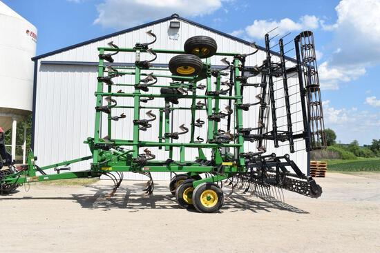 """2013 John Deere 2210 Field Cultivator 32.5' Rolling Basket, 2 Bar Harrow, 7"""" Knock-On Sweeps, 6"""""""