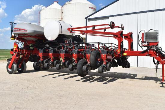 "2014 CIH 1255 Early Riser Planter 16 Row 30"" Center Fill, 2pt. Front Fold, Liquid Fertilizer, 500"
