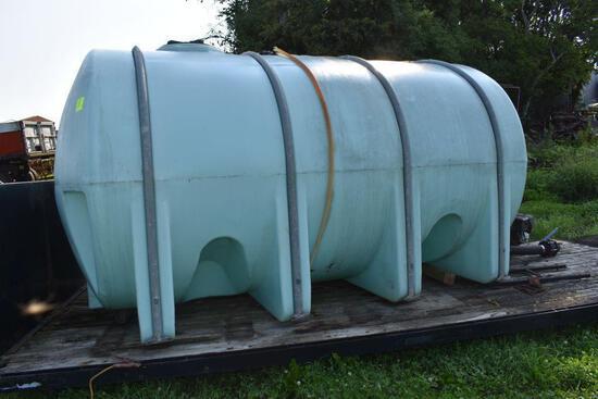 3250 Gallon Horizontal poly tank with 13hp motor and pump