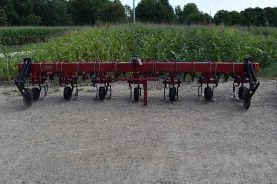 "Case IH 183 Row Crop Cultivator, 6 Row 30"", Rolling Shields, Danish Tine, Stabilizer Disc, 100"