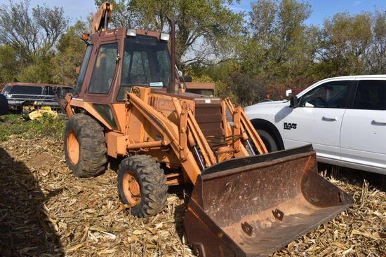 "Case 580E Construction King Loader/Backhoe, 4x4, 82"" Loader Bucket, Outriggers, 17"" Hoe Bucket,"