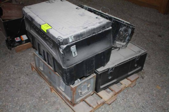 6 Plastic and Metal Storage Bins