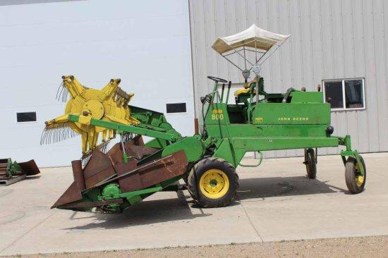 John Deere 800 Self Propelled Windrower, 14' Draper Head