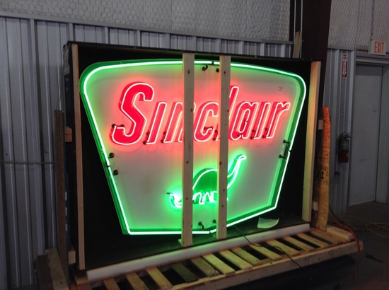 Sinclair Neon Dealership Sign Is In Very Good To Excellent Condition For Its SPS 61 Vintage. This Si