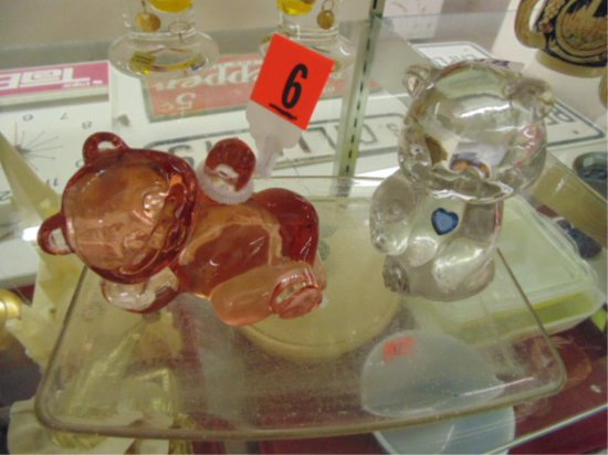 GROUP OF TWO FENTON GLASS BEARS.