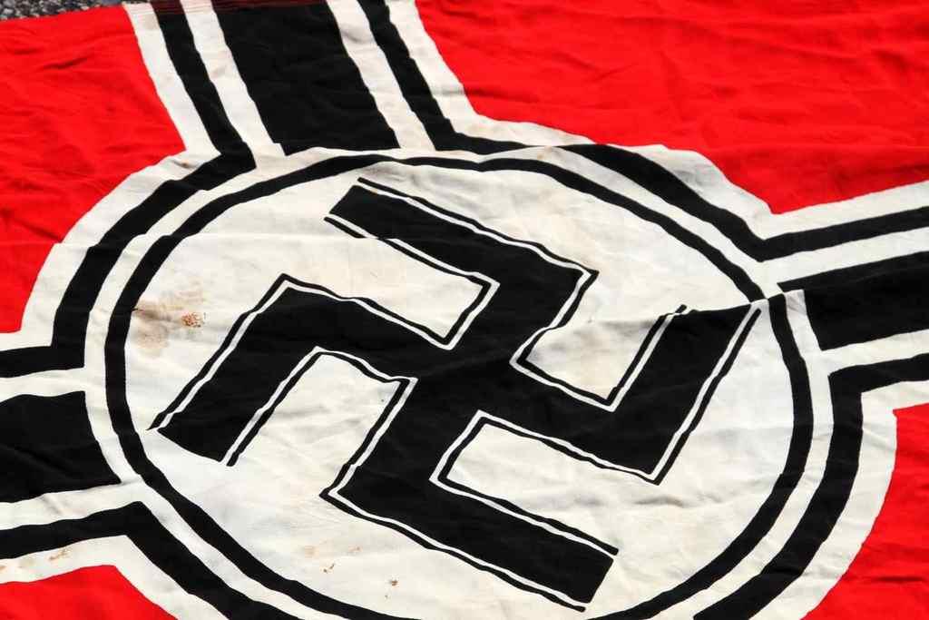 Lot: WWII GERMAN THIRD REICH WEHRMACHT WAR FLAG   Proxibid
