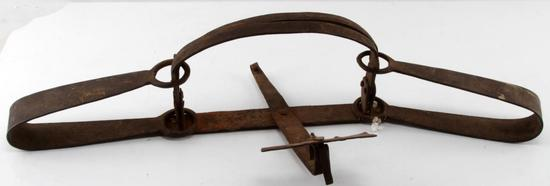 MODERATELY SIZED ANTIQUE FRONTIER ERA  BEAR TRAP