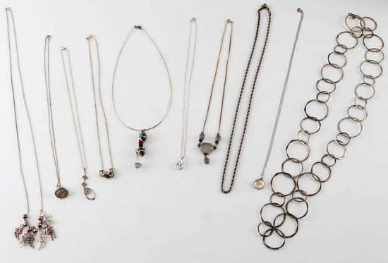 10 PIECE LOT STERLING SILVER NECKLACES & PENDANTS