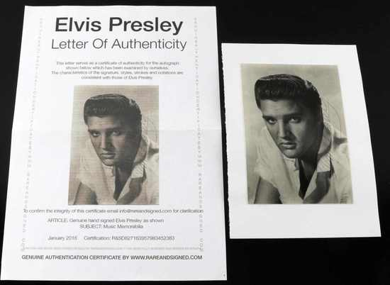 AUTOGRAPHED BLACK AND WHITE PHOTO ELVIS PRESLEY