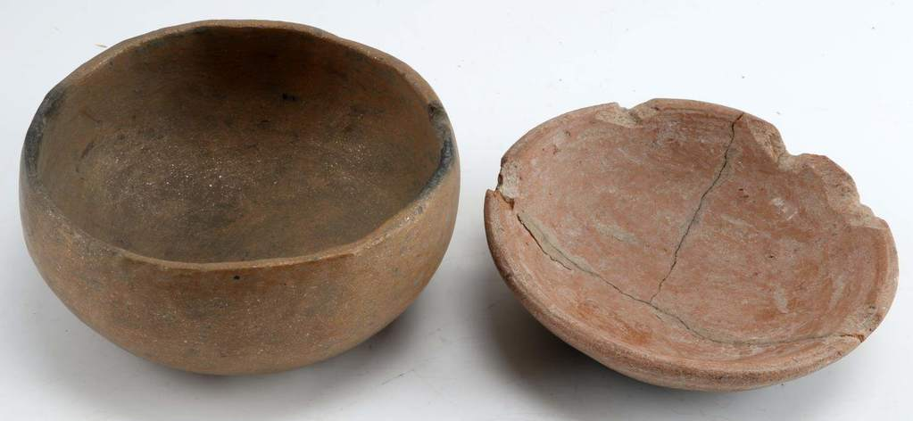 2 SMALL BROWN ARKANSAS LATE CADDO BOWL VESSELS