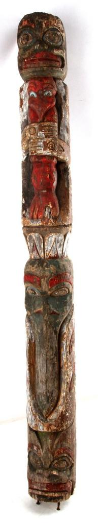 HAND CARVED PAINTED NATIVE AMERICAN WOODEN TOTEM
