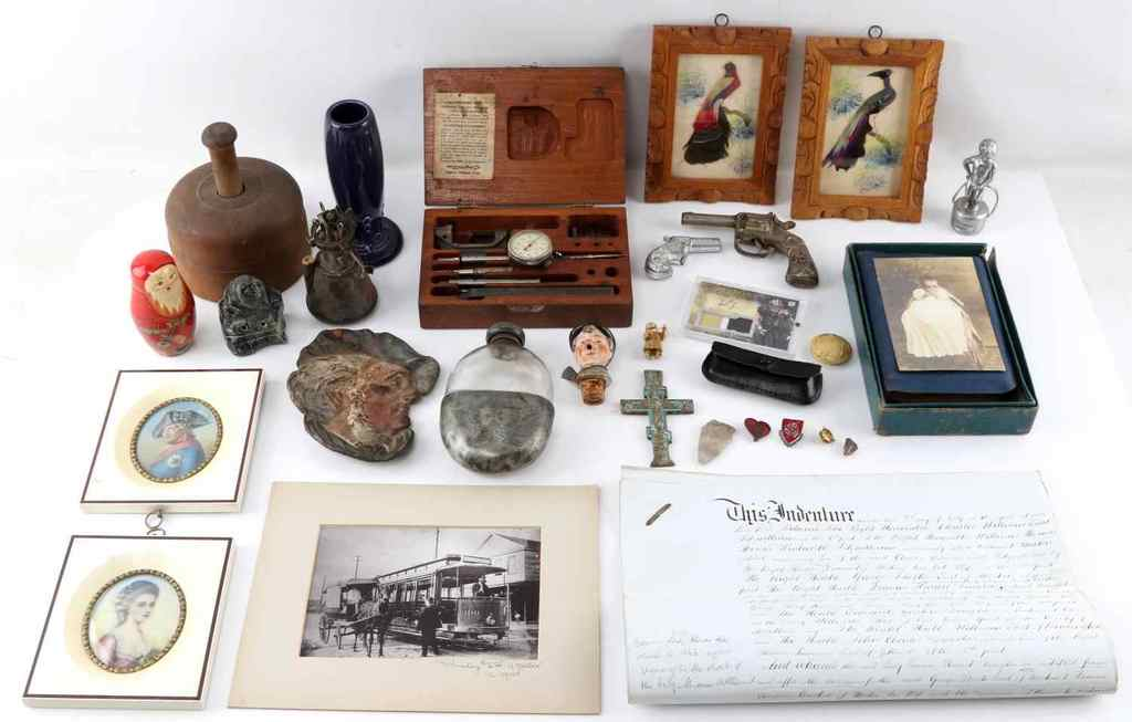 GENERAL ANTIQUE & COLECTIBLE LOT BIG VARIETY